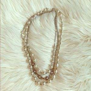 Ann Taylor pearl statement necklace